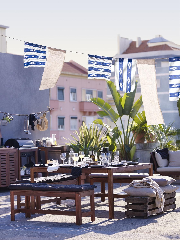 51defd27f Stolík Vo vašej balkónovej oáze relaxu nesmie chýbať stolík, na ktorý si  môžete položiť šálku kávy, časopis alebo obľúbenú knihu.