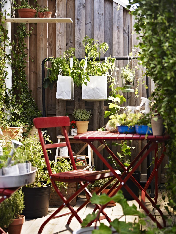 8ed61f6c1 Zelená farba je upokojujúca a pre dokonalý oddych na vašom balkóne je  doslova nevyhnutná. Obklopte svoj priestor kvetmi. Nie všetky rastliny sú  však vhodné ...