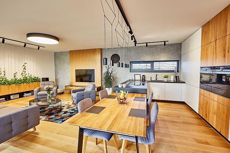 concept home interier kuchyne spojenej s obyvacou cestou dreveny dekor rustikalny styl realizacia domu na kluc toptrendy